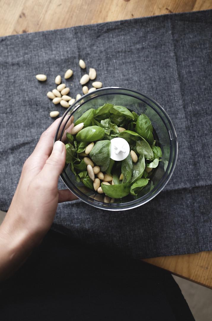 Bazalkové pesto (vegan)