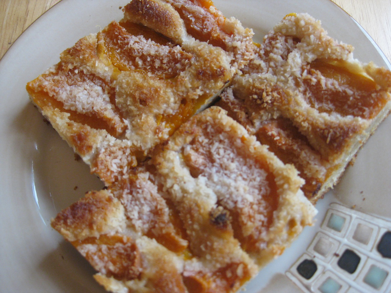 Bezlepkový ovocný koláč ze zakysané smetany