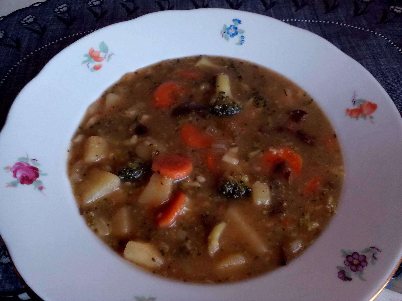 Brokolicová bramboračka houbovačka - polévka