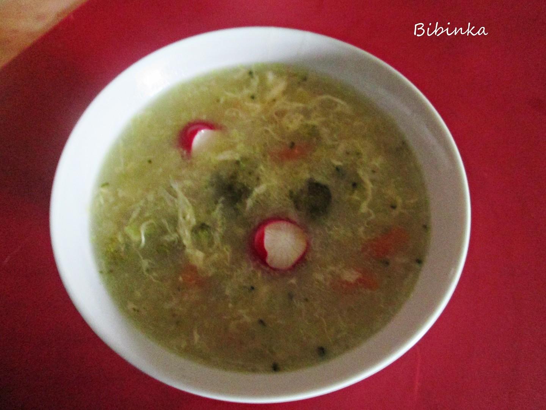 Brokolicovo-zeleninová polévka