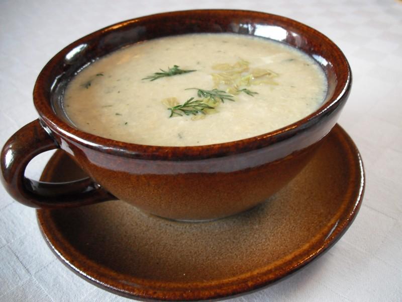 Celerová polévka s koprem