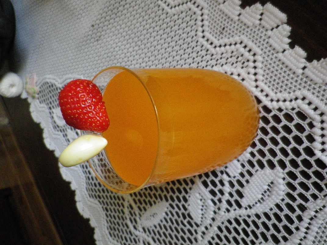 Česněko-pomerančový nápoj