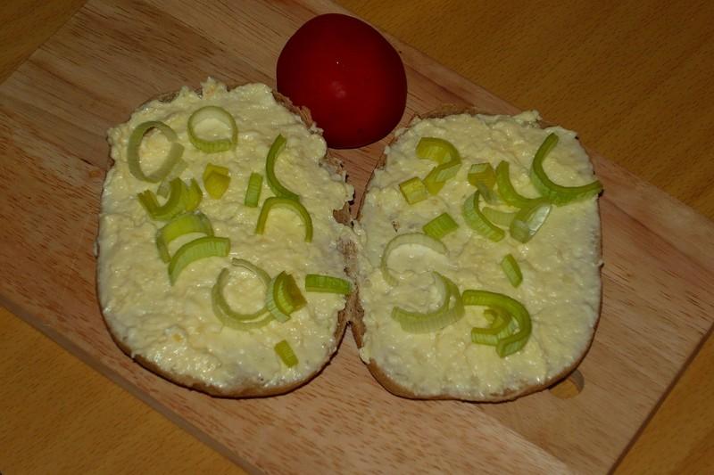 Česneková pomazánka s taveným sýrem