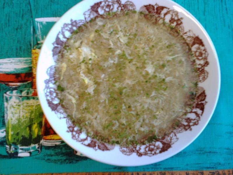 Chlebová polévka s vejcem