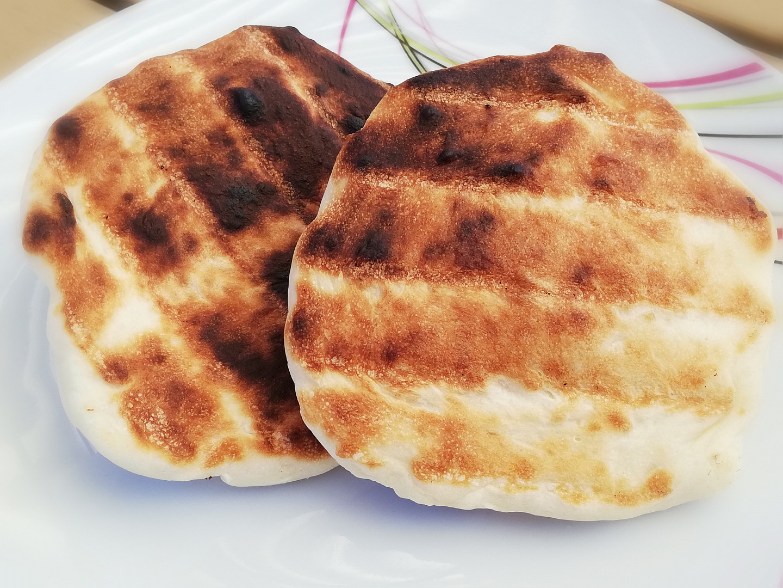 Chlebové placky z grilu