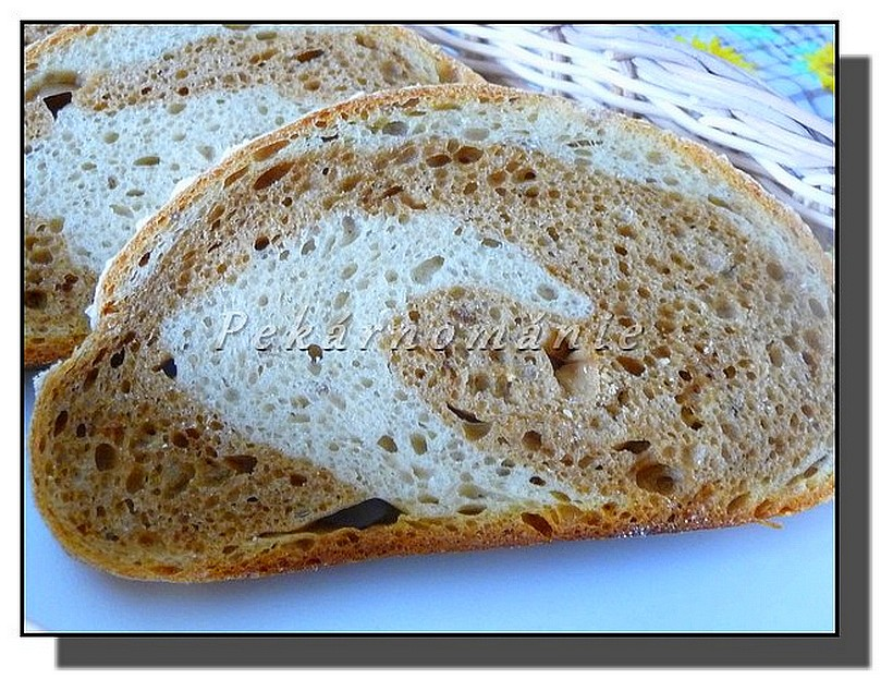 Dvojbarevný 1-2-3 chleba