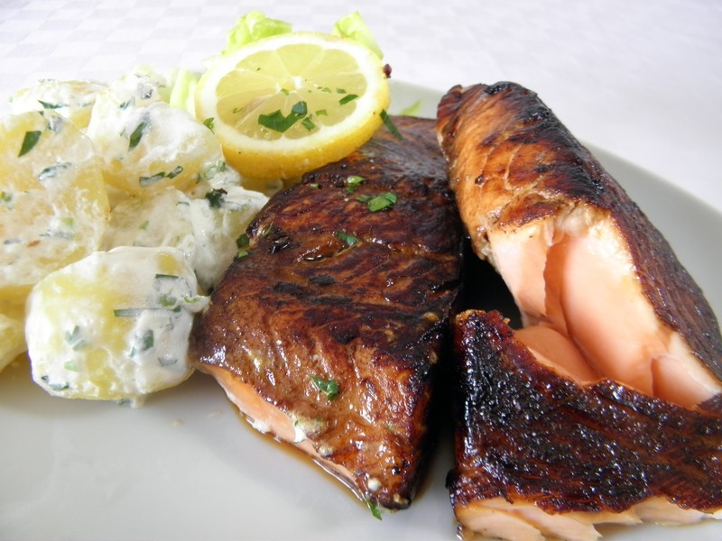 Filety z lososa a smetanové brambory