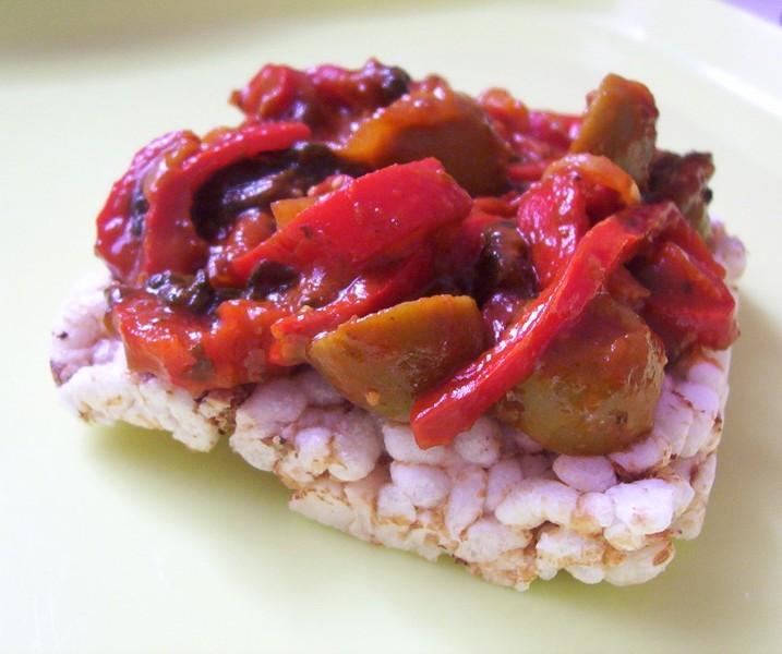 Horký paprikový salát
