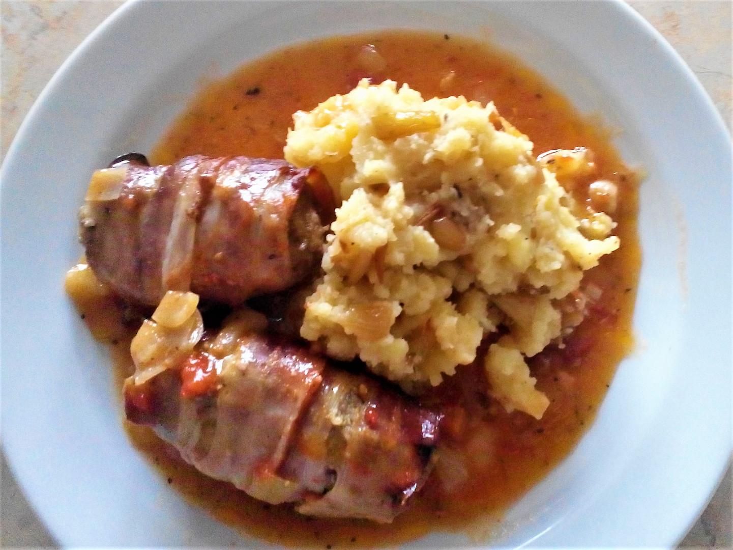 Hovězí mleté maso v anglické slanině