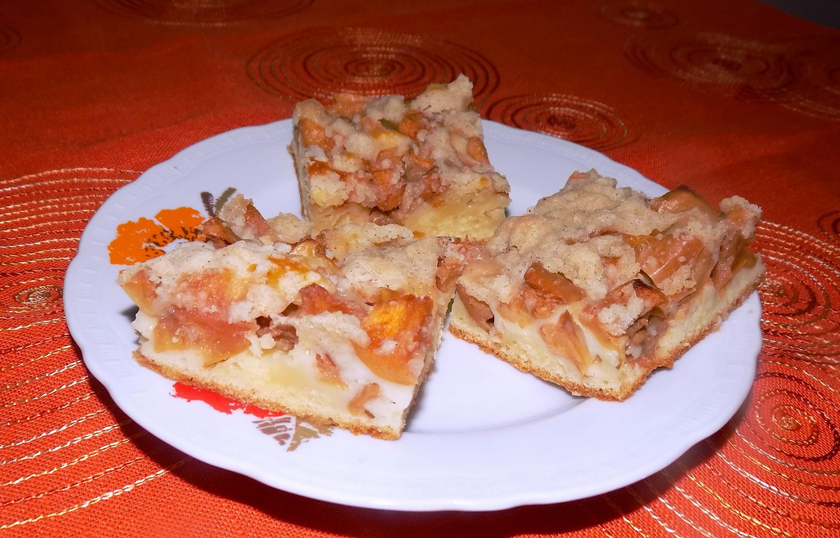 Jablečný koláč se skořicovou drobenkou