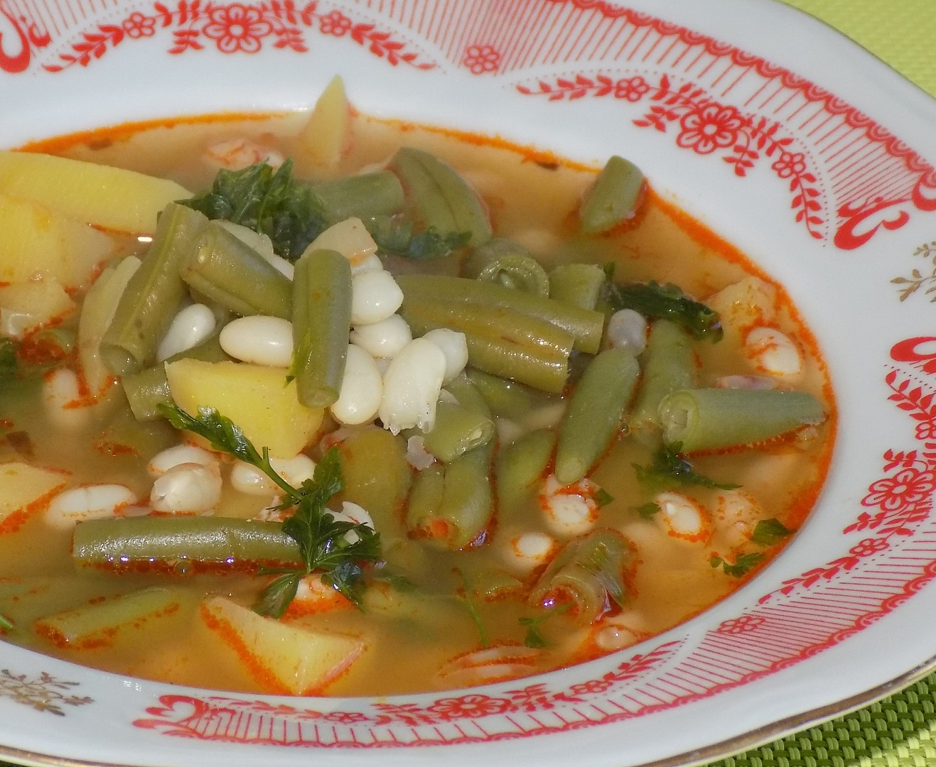 Jednoduchá fazolovo-fazolková polévka