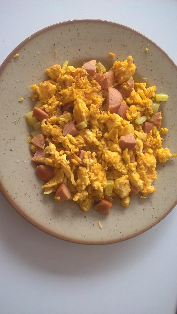 Kari míchaná vajíčka