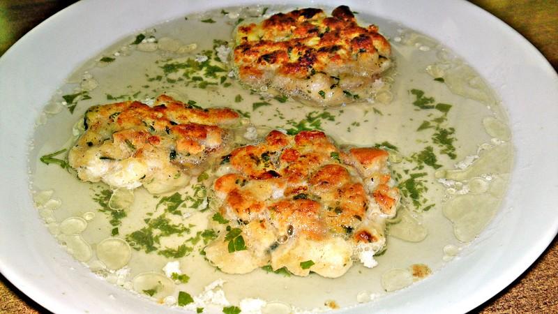 Kaspressknödeln - rakouské sýrovo - žemlové knedlíčky