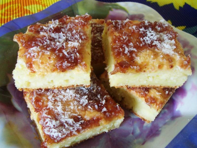 Kokosový cuketový koláč