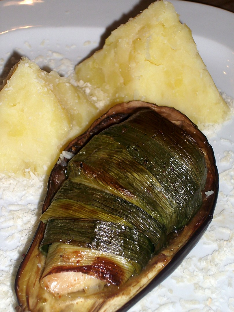 Kuřecí mumie v lilkovém sarkofágu