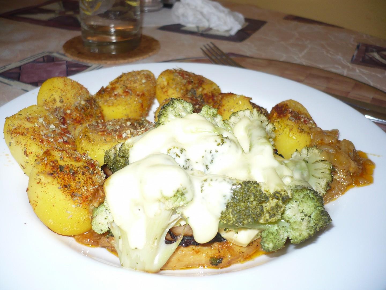 Kuřecí plátek s brokolicovou čepičkou