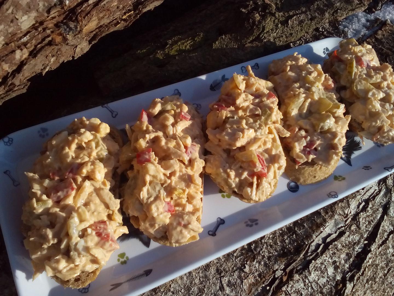 Kuřecí salát s vejci