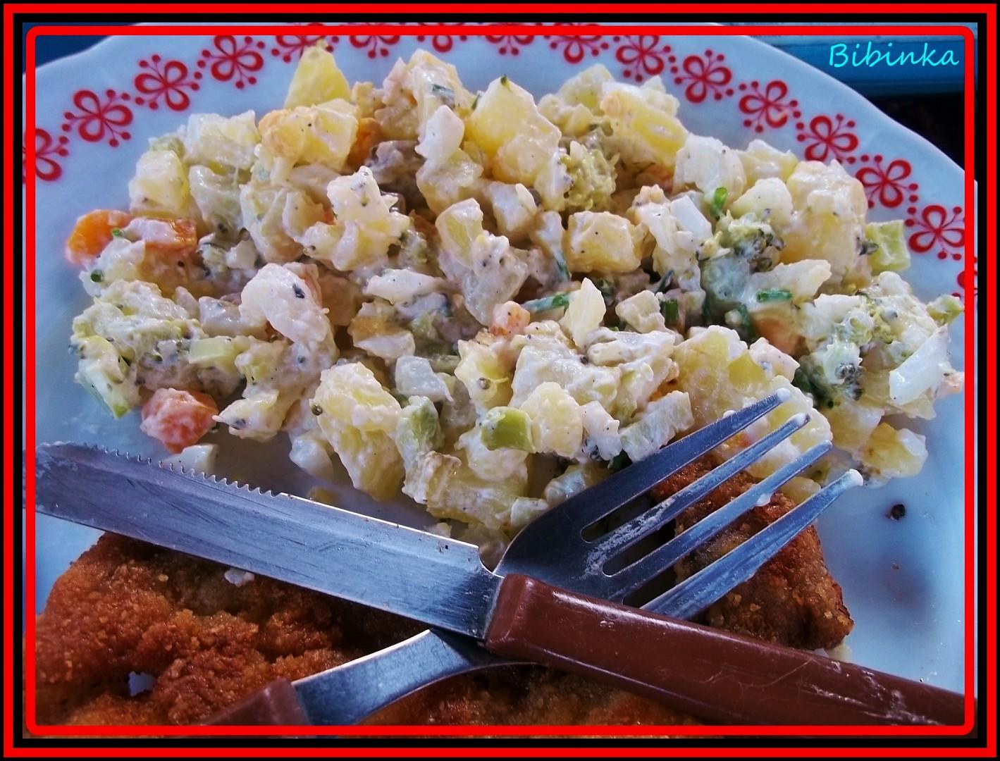 Letní bramborový salát s brokolicí (pro Danielku 72 i ostatní))