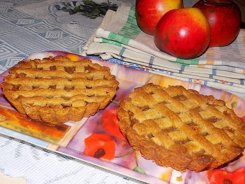 Mini koláčky z lineckého těsta s marmeládovo-jablečnou směsí