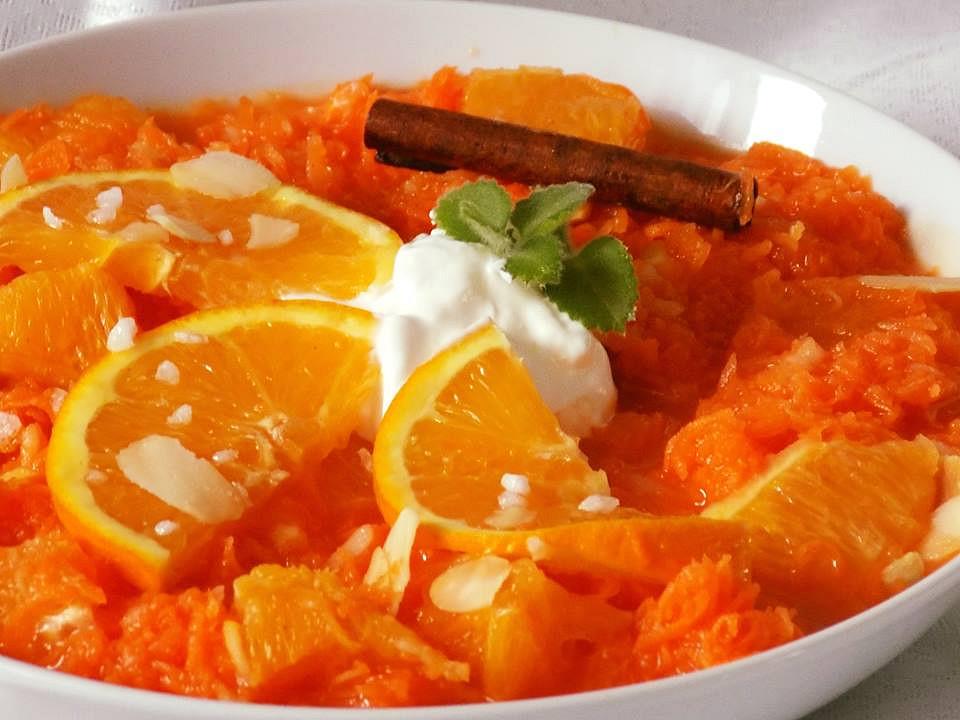 Mrkvový salát s pomerančem a smetanou