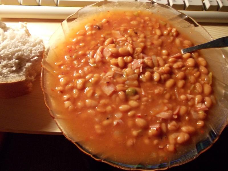 Ohnivé fazole se slaninou