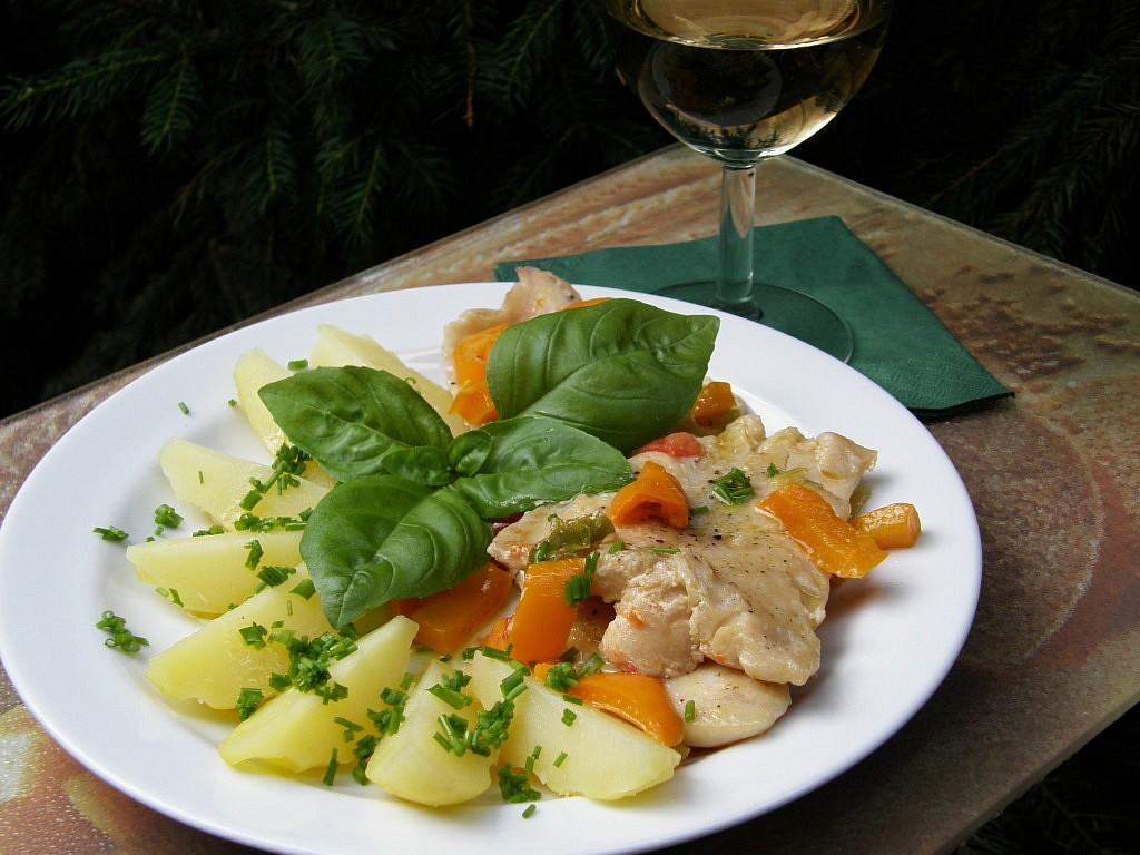 Pangas na víně se zeleninou a bazalkou