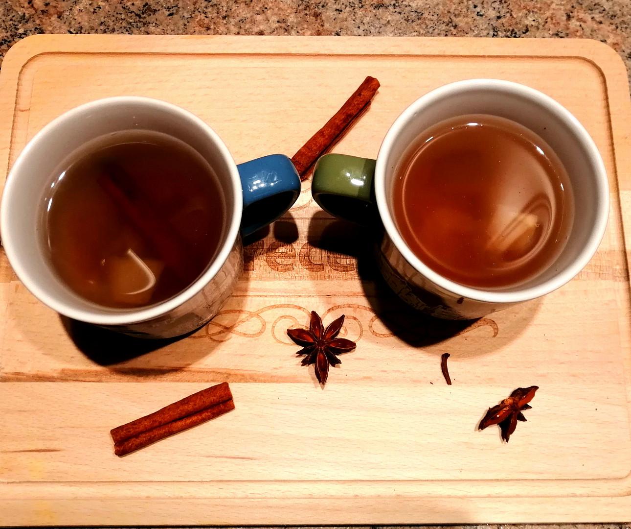 Pečený jablečno hruškovo brusinkový čaj
