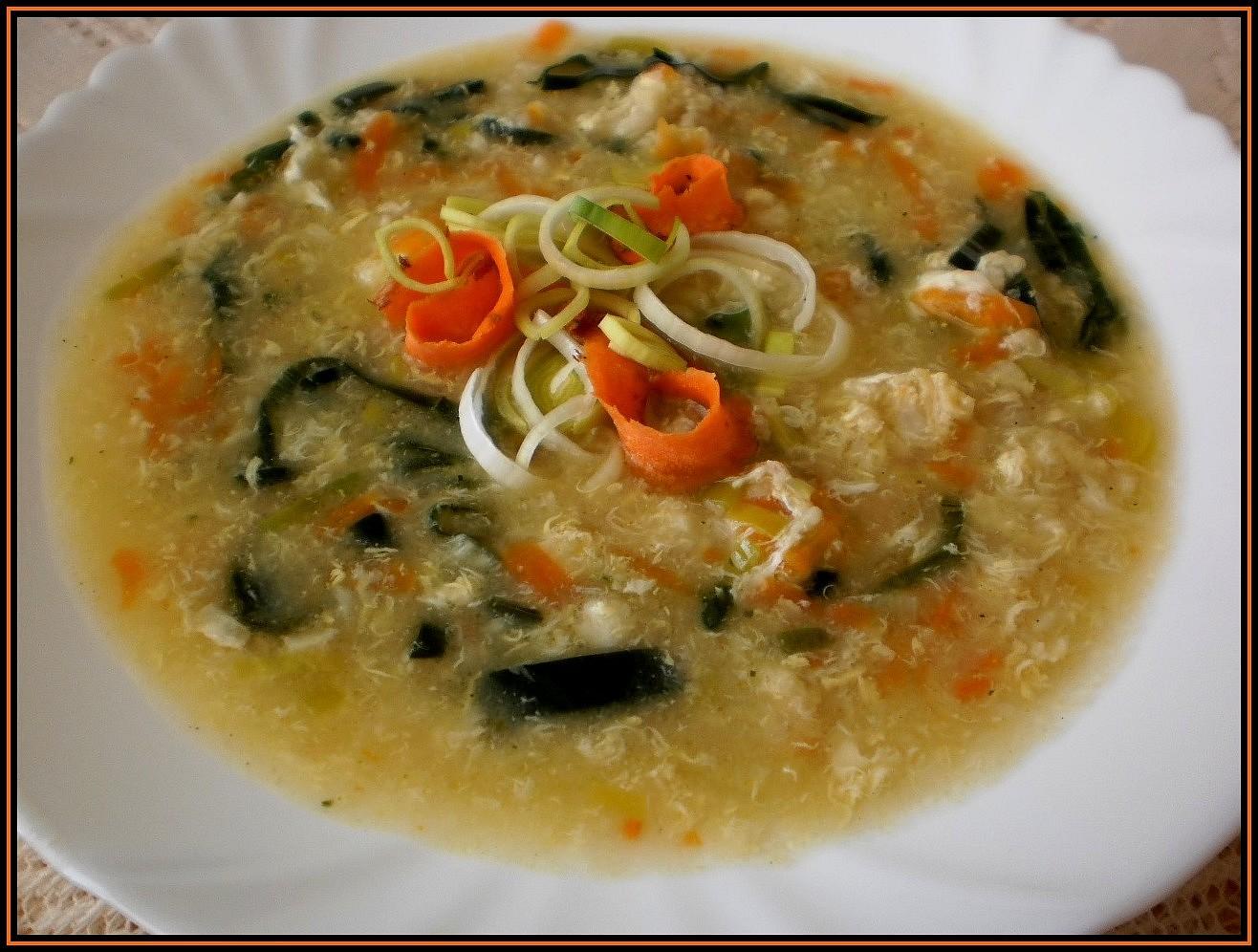 Pórková polévka s vaječnou zásmažkou