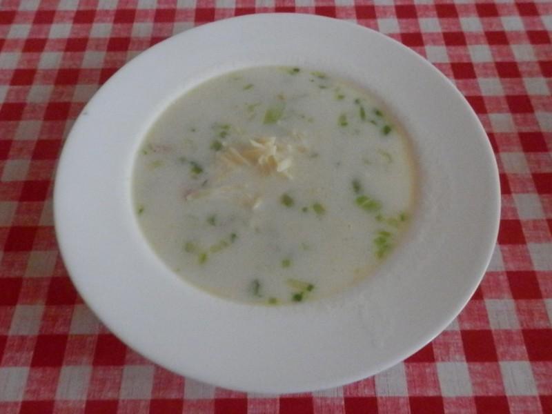 Pórková polévka se šunkou a sýrem