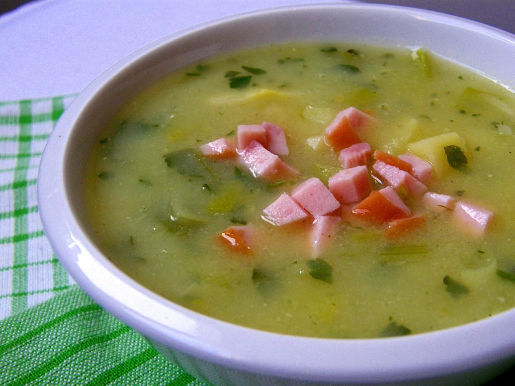 Pórkovo-bramborová polévka s Hraškou