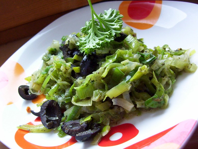 Pórkový salát s olivami