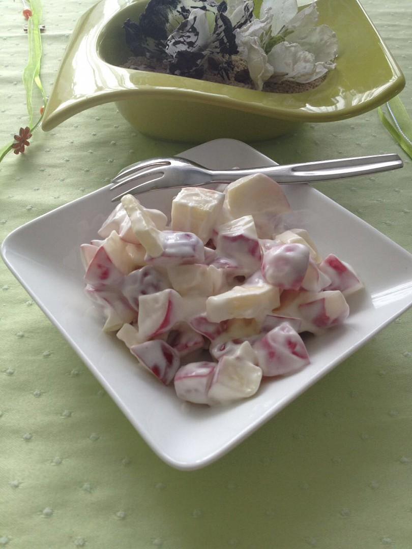 Ředkvičkový salát s jablky