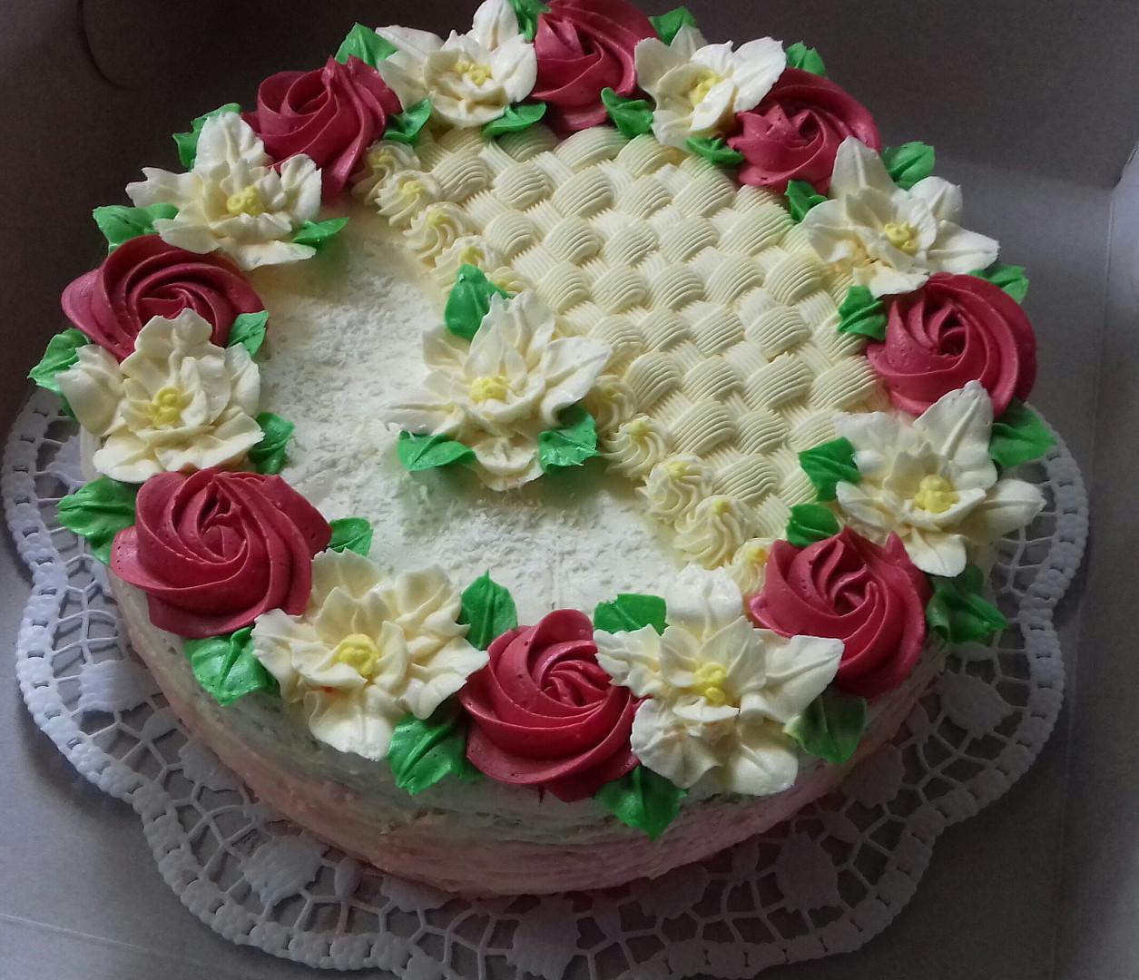Rozkvetlý dort s máslovými růžičkami