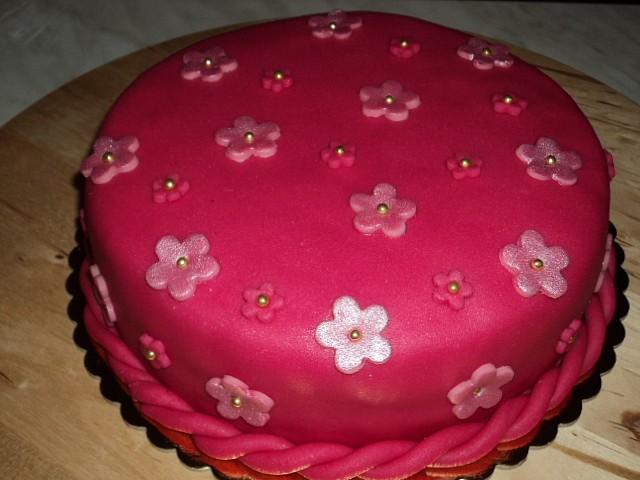 Růžový dort pro Evičku