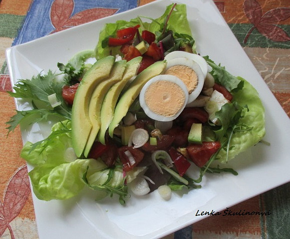 Rychlý salát s avokádem