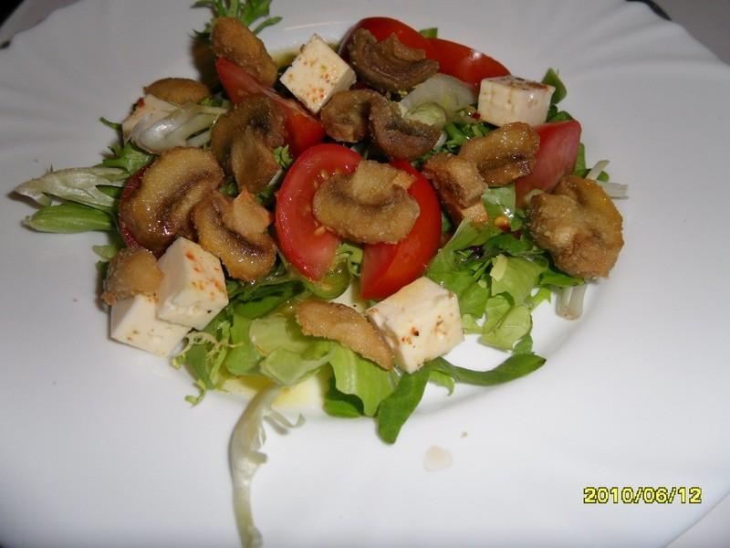 Salát s houbami