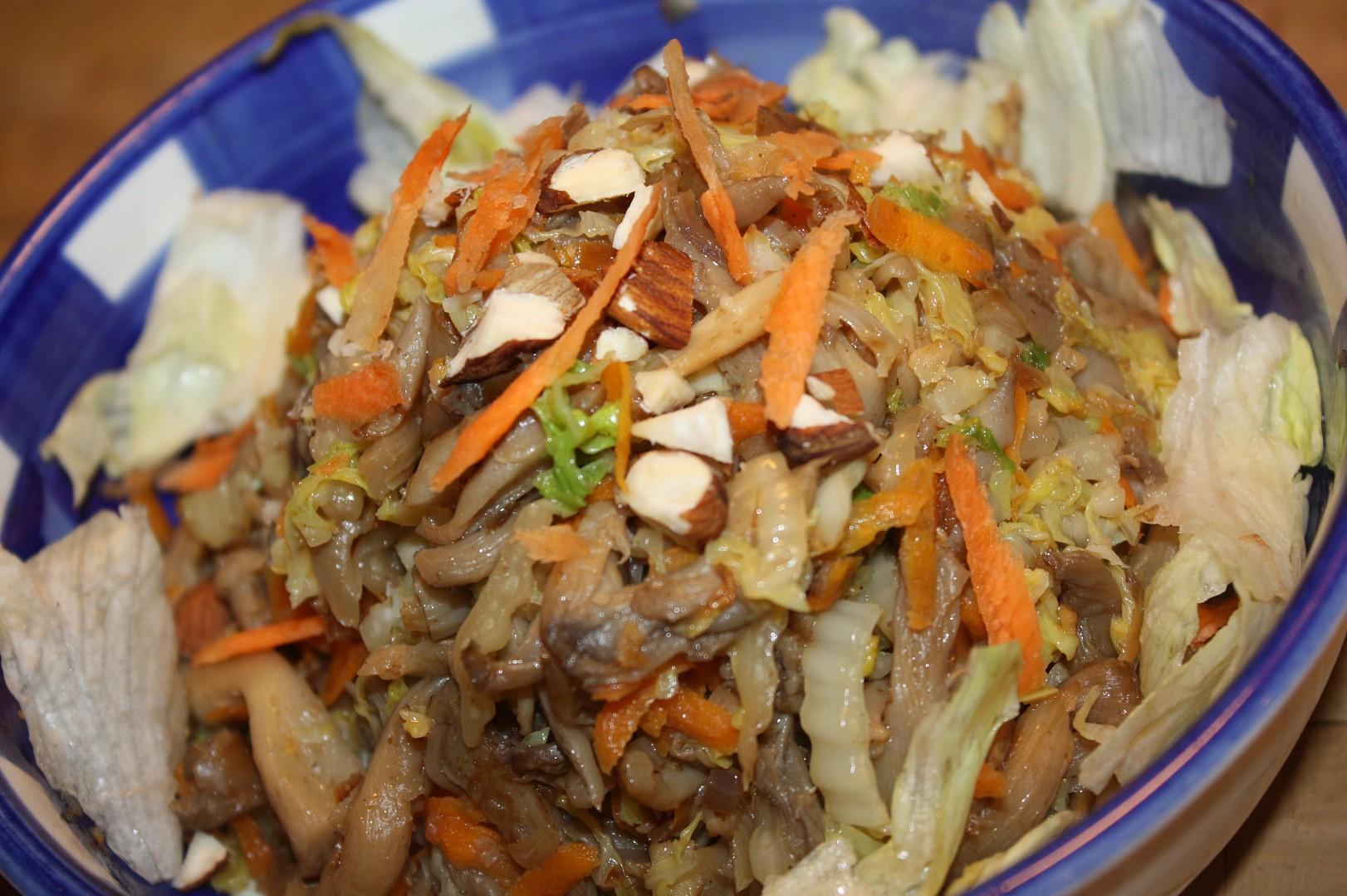 Salát z hlívy ústřičné s čínským zelím