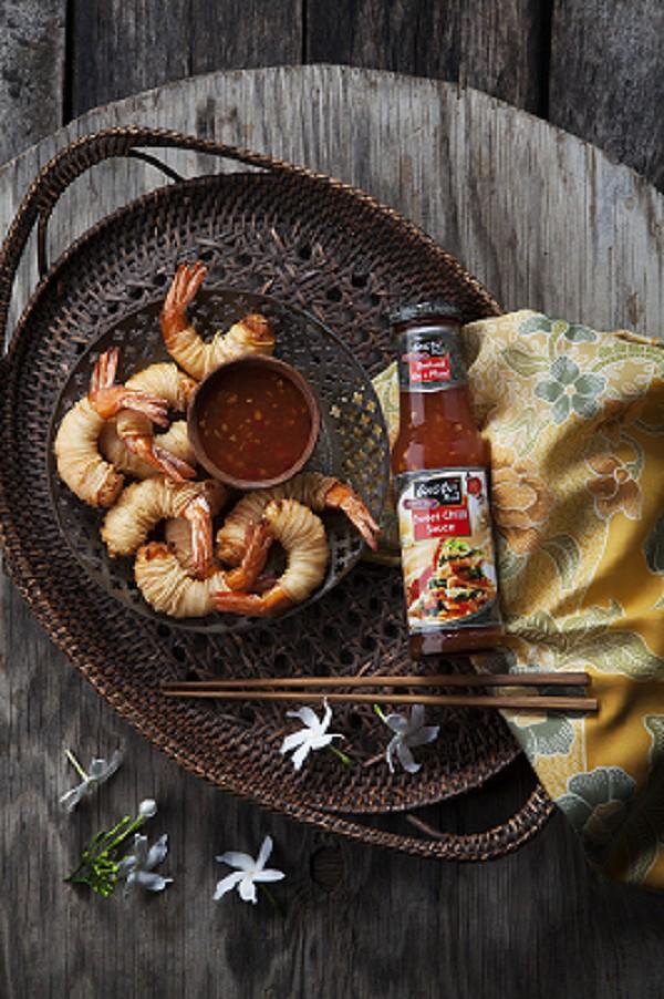 Smažené krevety v obalu z rýžových nudlí