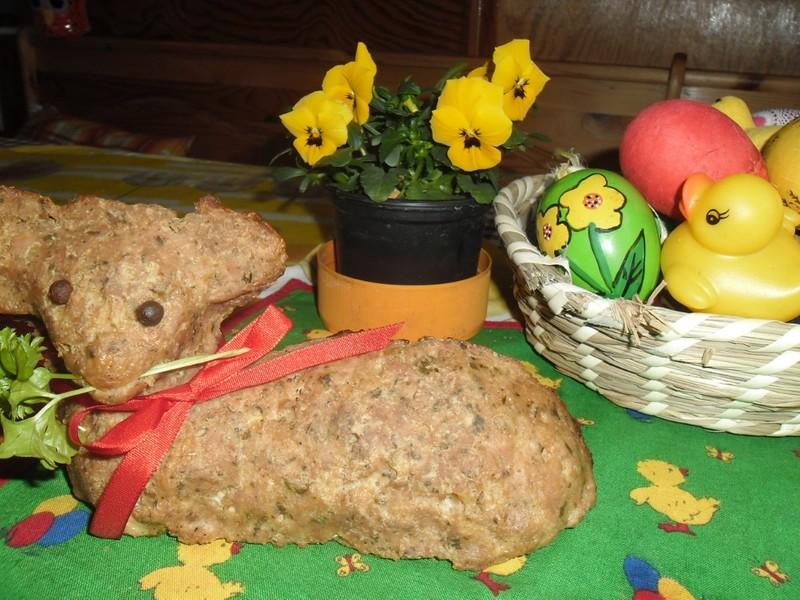 Soutěžní velikonoční beránek z mletého masa