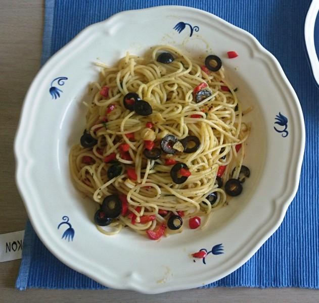 Špagety aglio olio e peperoni