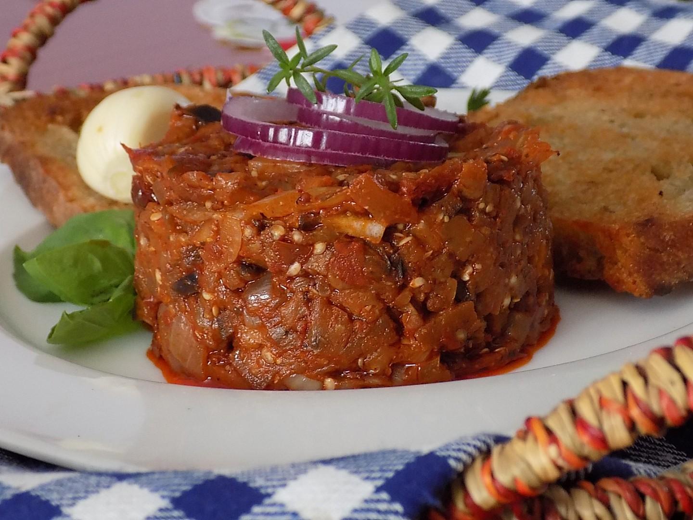 Tataráček z lilku a sušených rajčat