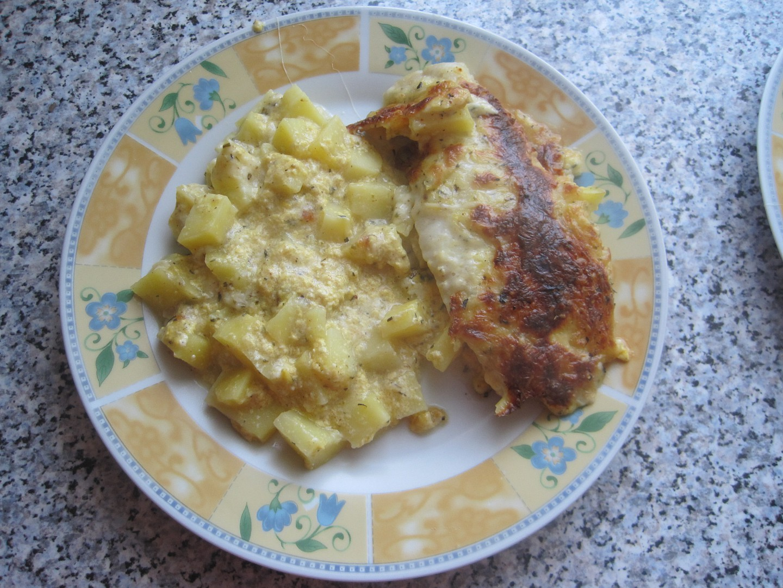 Treska zapečená s bramborem a sýrem
