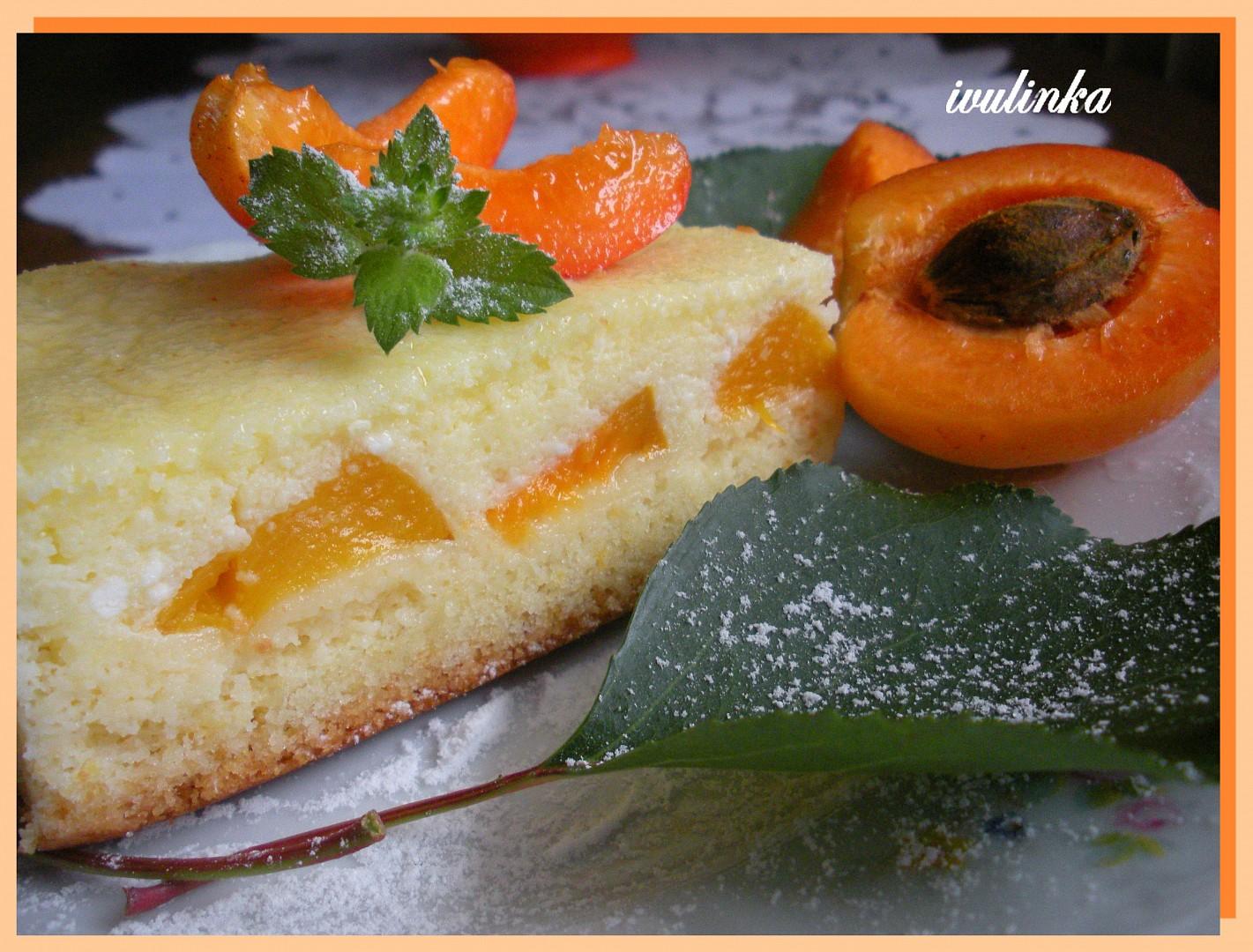 Tvarohovo - krupicový koláč