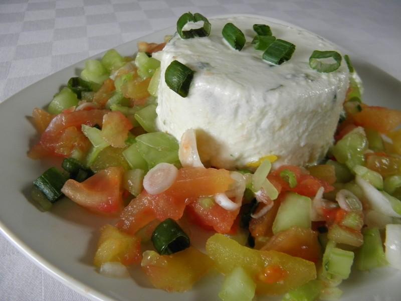 Tvarohový krém se zeleninovým salátem