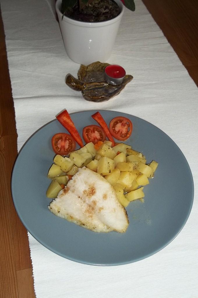 Udušený pangas se zeleninovými bramborami