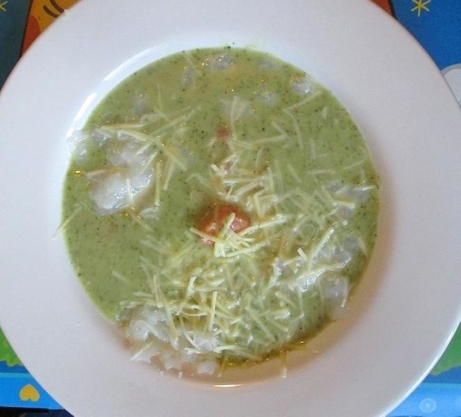 Veganská brokolicová polévka