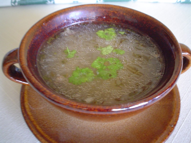 Vepřová polévka z kolene
