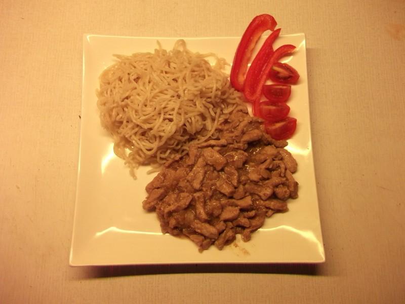 Vepřové maso na pivu a česneku