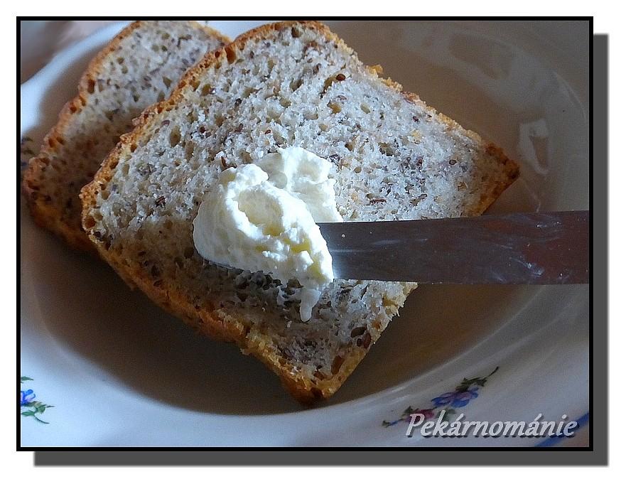 Vícezrnný chleba z formy