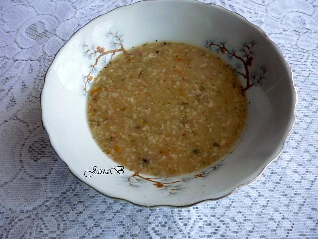 Vločková polévka s mrkví a česnekem